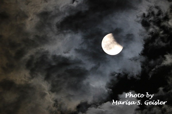 moon-eclipse-clouds-msg